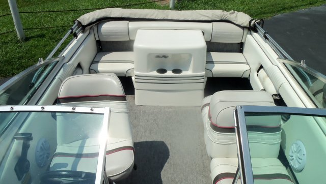 Pre-Owned 1993 Sea Ray 170 BOWRIDER For Sale